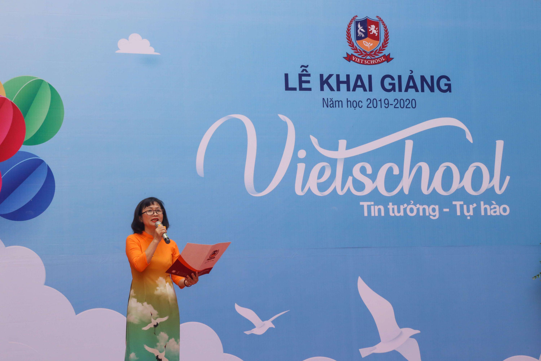 Khai giảng đậm nét văn hóa Việt tại Vietschool